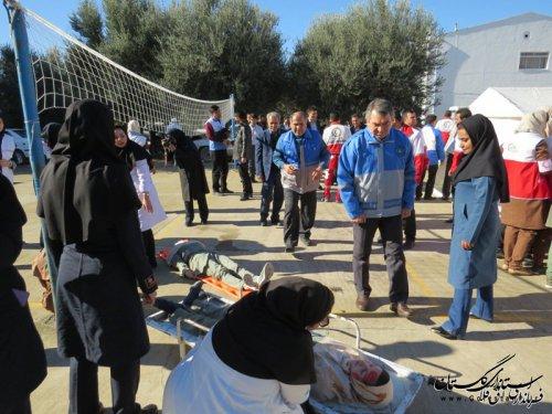 مانور سراسری زلزله در دبیرستان شهید بهشتی شهر انبارالوم آققلا برگزار شد